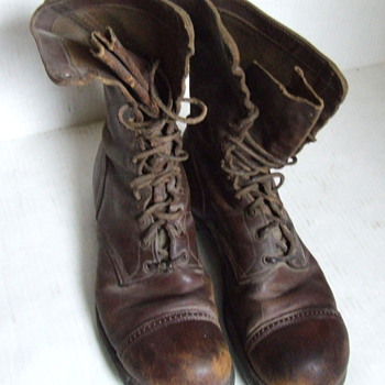 Mystery pair of  U.S. Army military boots, WW II? - Military and Wartime
