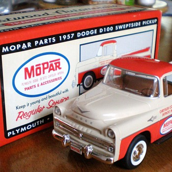 Diecast 1957 Dodge D100 Sweptside Pickup 