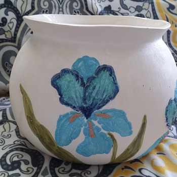 POTTERY POTTING POT BY EMA LOU - Art Pottery