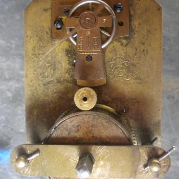 FRENCH CLOCK MAKER LOGO MYSTERY - Clocks