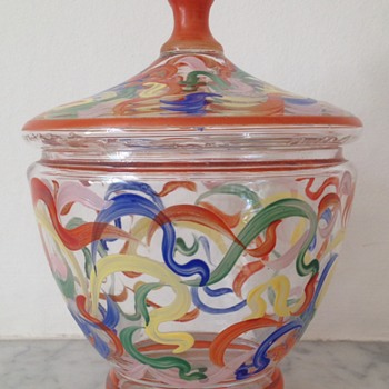 Enamelled bonbonière in an early 1920s style - Art Glass