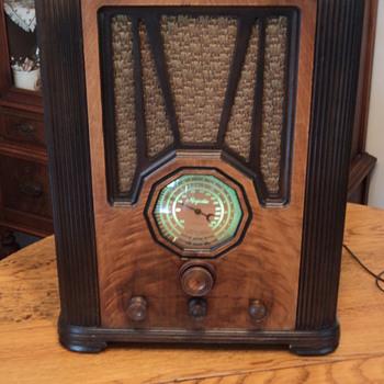 Majestic model 50 - Radios