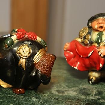 Chalkware Matador y Toro - Art Pottery