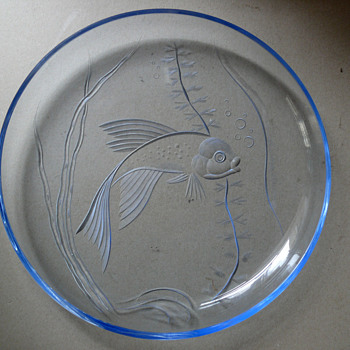 glass charger fish motive - Art Glass