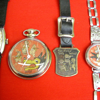 THREE LITTLE PIGS FAIRY TALE TIMEPIECES - Wristwatches