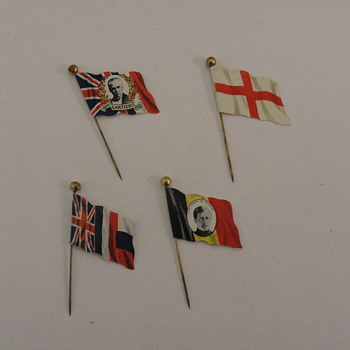 Metal Tin Flags First World  War Celebration Quebec
