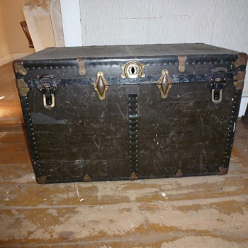 P&S Steamer Trunk