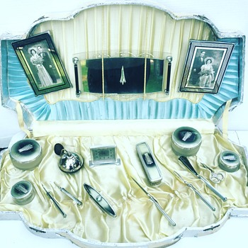 Vintage Art Deco Vanity Set