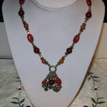 Vintage Avon Necklace - Costume Jewelry