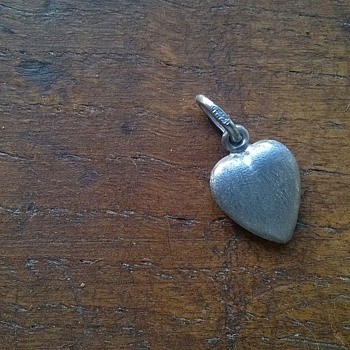 18K Brushed White Gold Heart Pendant, Antique/Repurpose Shop Find, $1.50