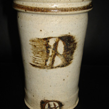 (STONEWARE STEIN) I NEED YOUR HELP WITH INITIALS THANK YOU