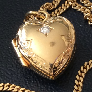 Gold and Diamond locket  - Fine Jewelry