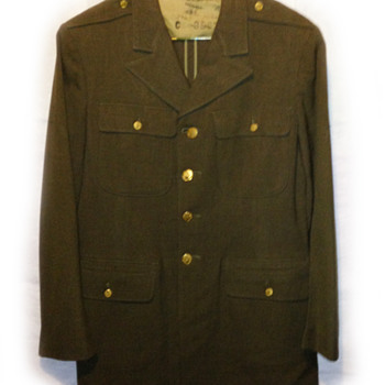 Military clothing - World War 2??