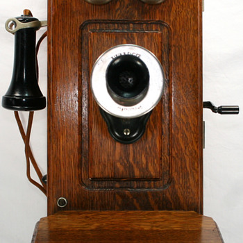 Vintage Oak Kellogg Cathedral Wall Telephone - Telephones