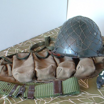 Iraqi steel helmet with combat gear Desert Storm - Military and Wartime