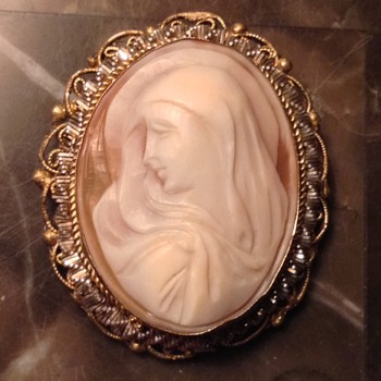 Virgin Mary Shell Cameo