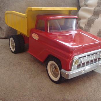 Kevin's 1960s Tonka Dump Truck Suvivor!