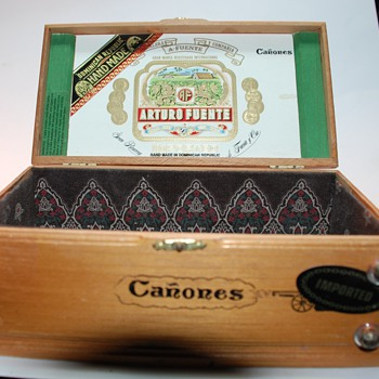 Really nice Dom. Republic Cigar box Arturo Fuente - Tobacciana