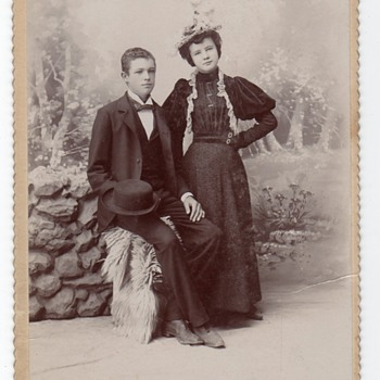 "ELITE, UTAH ""YOUNG COUPLE""CABINET CARD - Photographs"