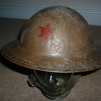 WW1 British made steel helmet with Brodie stamp in the liner. - Military and Wartime