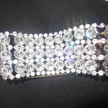 Vintage rhinestone bracelet - Costume Jewelry