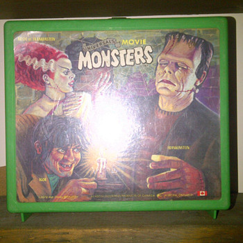 Universal Movie Monsters 1979 plastic lunch box - Kitchen