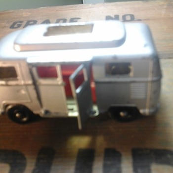 Matchbox Volkswagen Camper Van - Model Cars