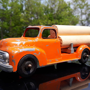 Hubley Kidddietoy 452 Log Truck