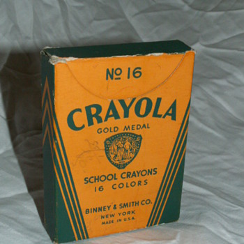 Antique No. 16 Crayola Crayons Box & Crayons ~ Binney & Smith Co. New York