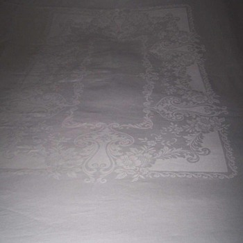 "Vintage LINEN DAMASK Tablecloth 72""x86"" & 6 Napkins 21-inches by 22-inches Floral Pattern"