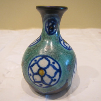 Mega Small - Art Pottery