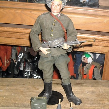 GI Joe SOTW Russian Infantry Man 1966 - Toys