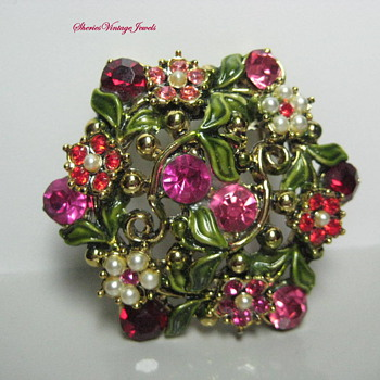 1950s Breath of  Spring Vintage Brooch and Earrings
