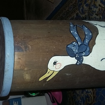 wooden dasher style churn with goose motif