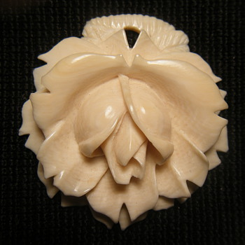 2 in x 2 in Ivory Flower pendant - Fine Jewelry