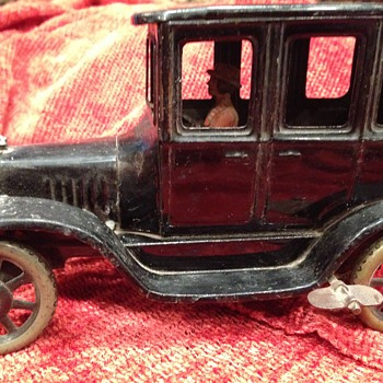 Vintage Antique Tin Car- wind up w driver- what is this?