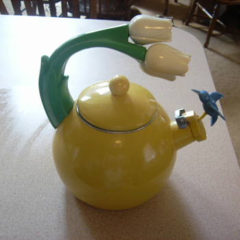 Teakettle with tulips and hummingbird - Kitchen