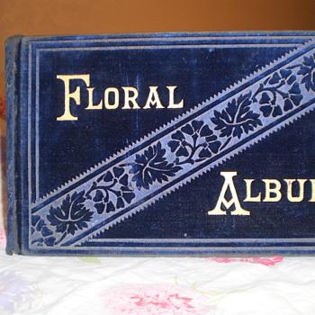 Vintage Floral Album - Books
