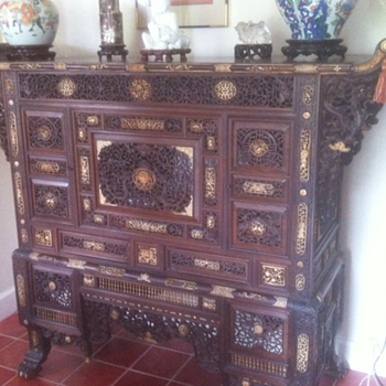 antique vietnamese family altar