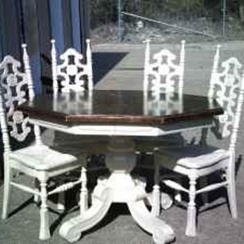 Vintage table and chairs - Furniture