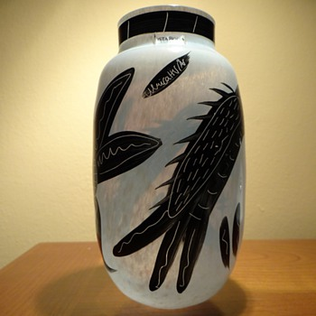 KOSTA BODA HANDPAINTED VASE 48753 BY ULRICA HYDMAN VALLIEN