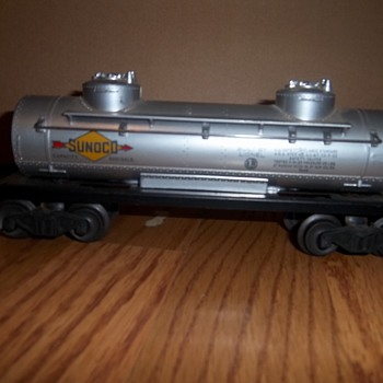 Lionel Trains Collection- Sunoco oil tank car #6465 - Model Trains