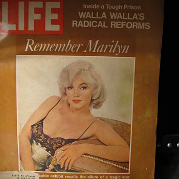 Marilyn Monroe  1972 Life Magazine - Paper