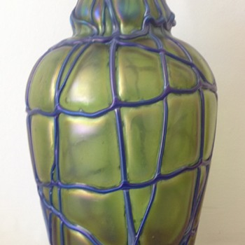 Kralik veined vase