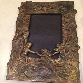 Antique Metal Picture Frame With Cupids - Visual Art