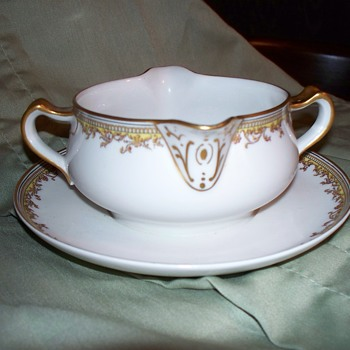 Haviland France Limoges Gravy Bowl