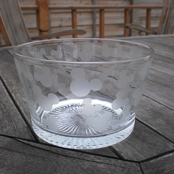 Disney Mickey Mouse Etched Glass Bowl