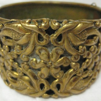 &#039;Victorian&#039; brass cuff bracelet - Fine Jewelry