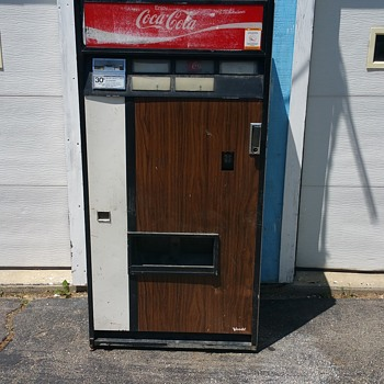 My Vendo 5 selection can / bottle machine - Coin Operated