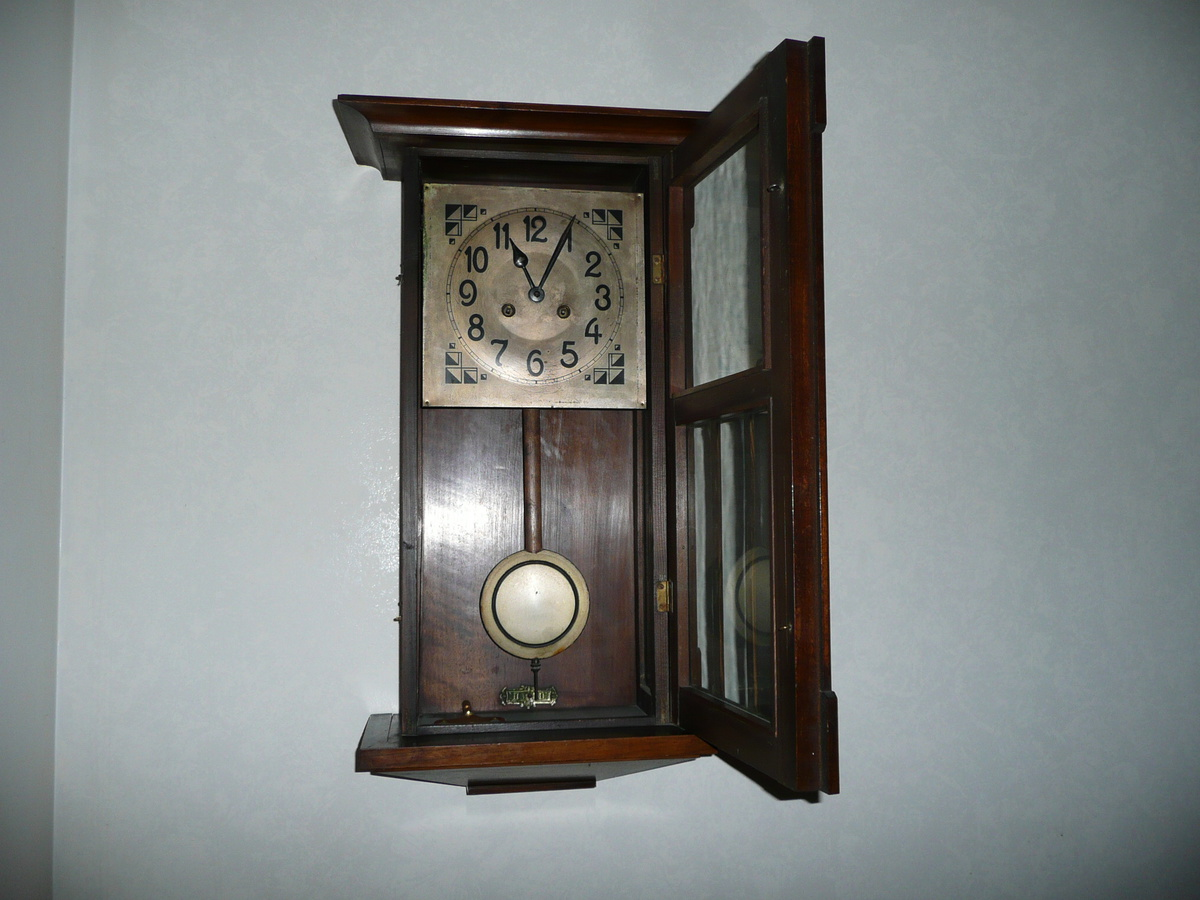 antique wall clock collectors weekly